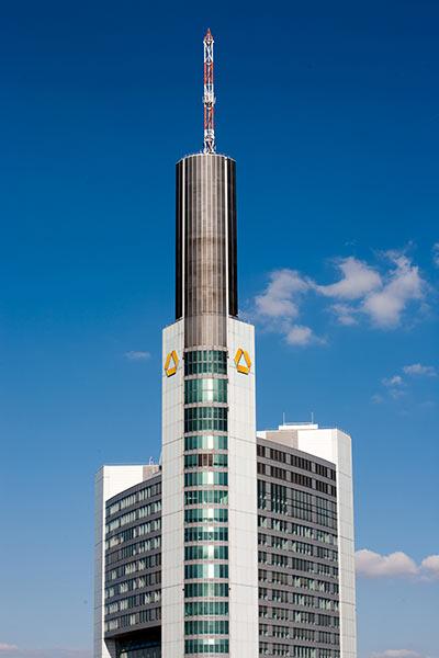 Commerzbank-Logo-Hochhaus